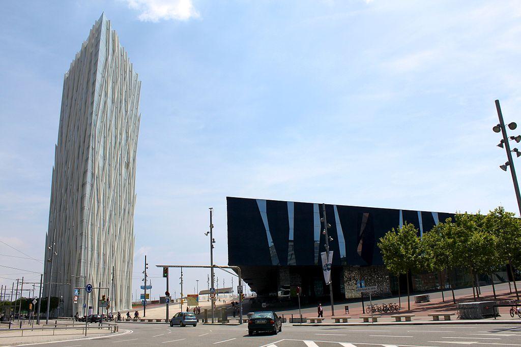 Torre Telefónica Diagonal Zero Zero y Forum / Wikimedia commons