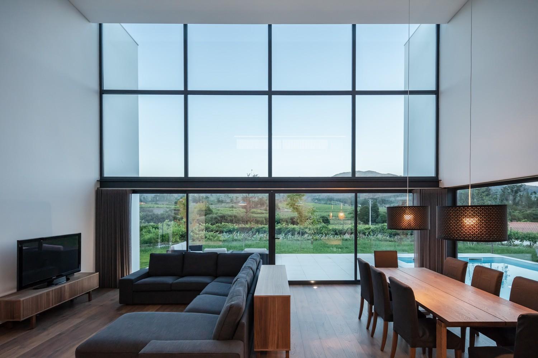 La propiedad posee más de 200 m2  / Tiago do Vale Arquitetos