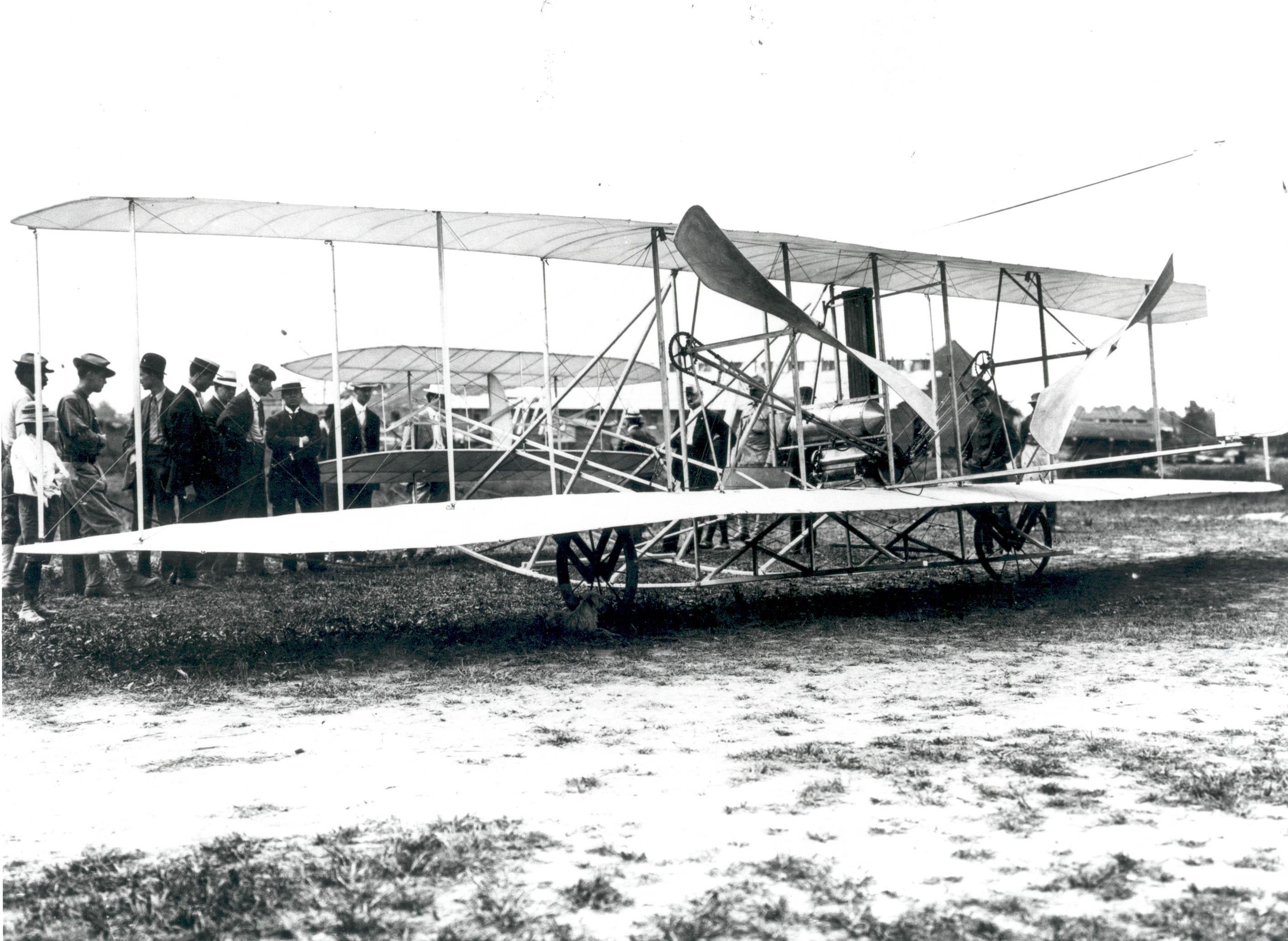 """Neil Armstrong transportó a la Luna algunos fragmentos del """"Flyer"""", el histórico avión en el que los hermanos Wright"""