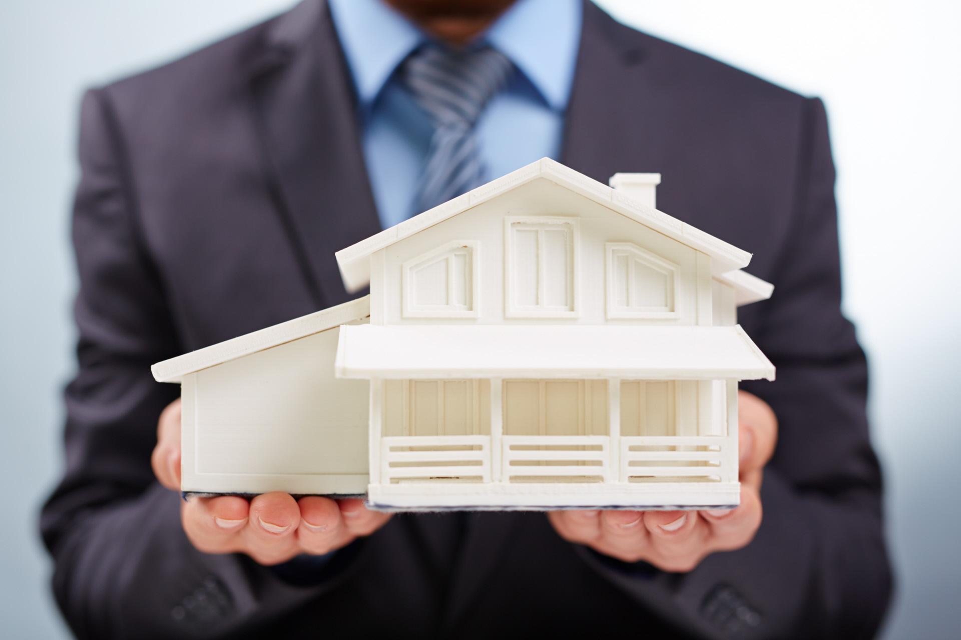 Invertir en vivienda no es la mejor opción / Gtres