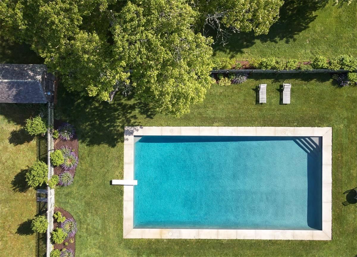 La piscina vista desde lo alto