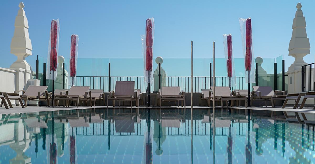 Riu Plaza España piscina