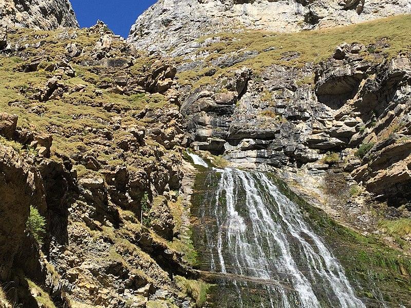 La cascada Cola de Caballo en Pirineos