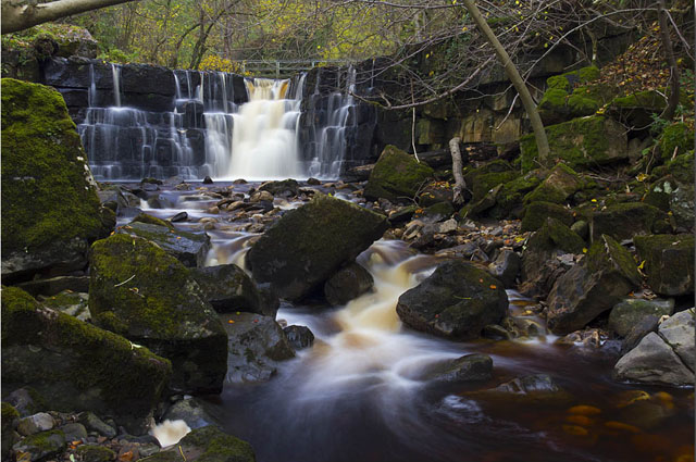 Mill y Whitfield Gill Force, en Yorkshire (Reino Unido)