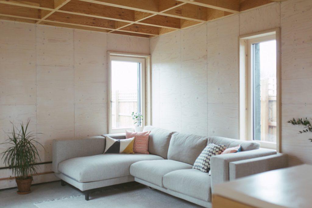 Un gran sofá, clave en la estancia
