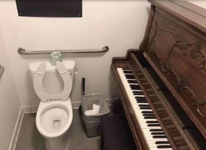 El baño-piano