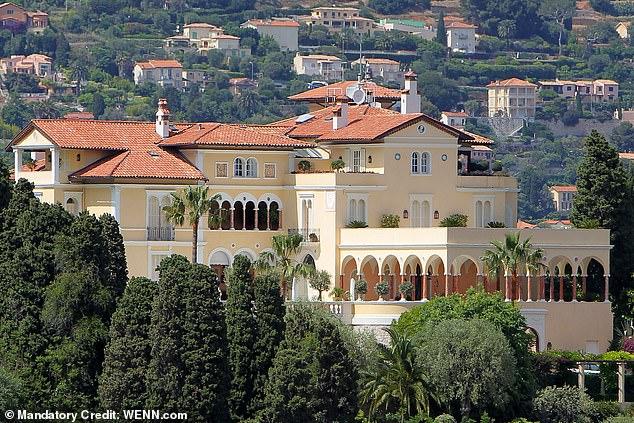 Se gastó 90 millones de euros en una mansión para las fiestas de la jet set