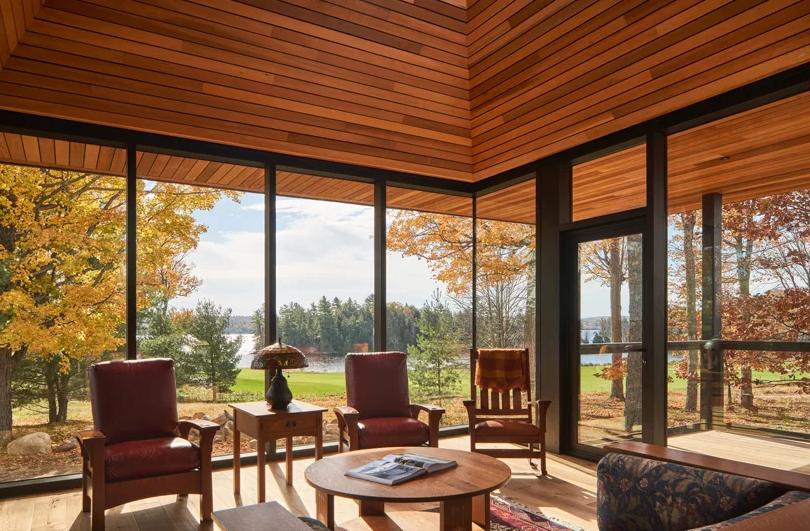 Con enormes ventanales para disfrutar del paisaje