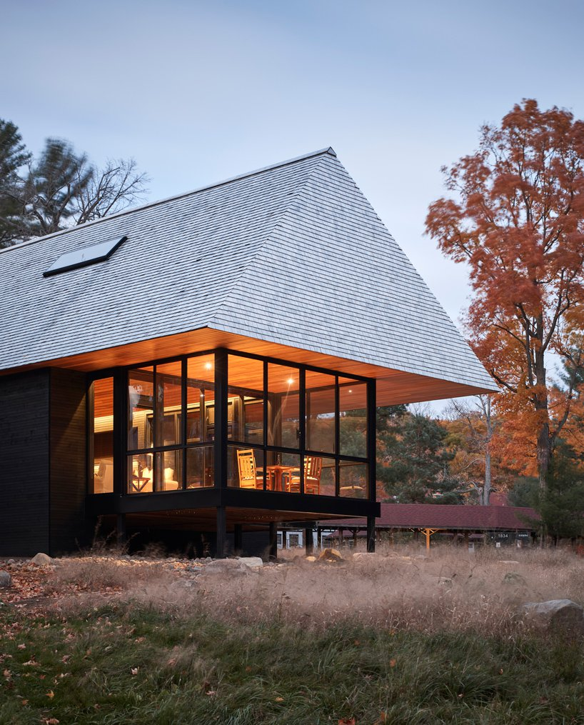 Es un diseño de Mackay-Lyons Sweetapple Architects