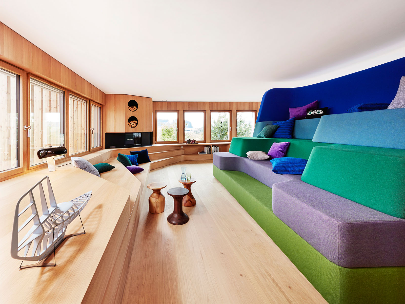 Los colores destacan con la madera