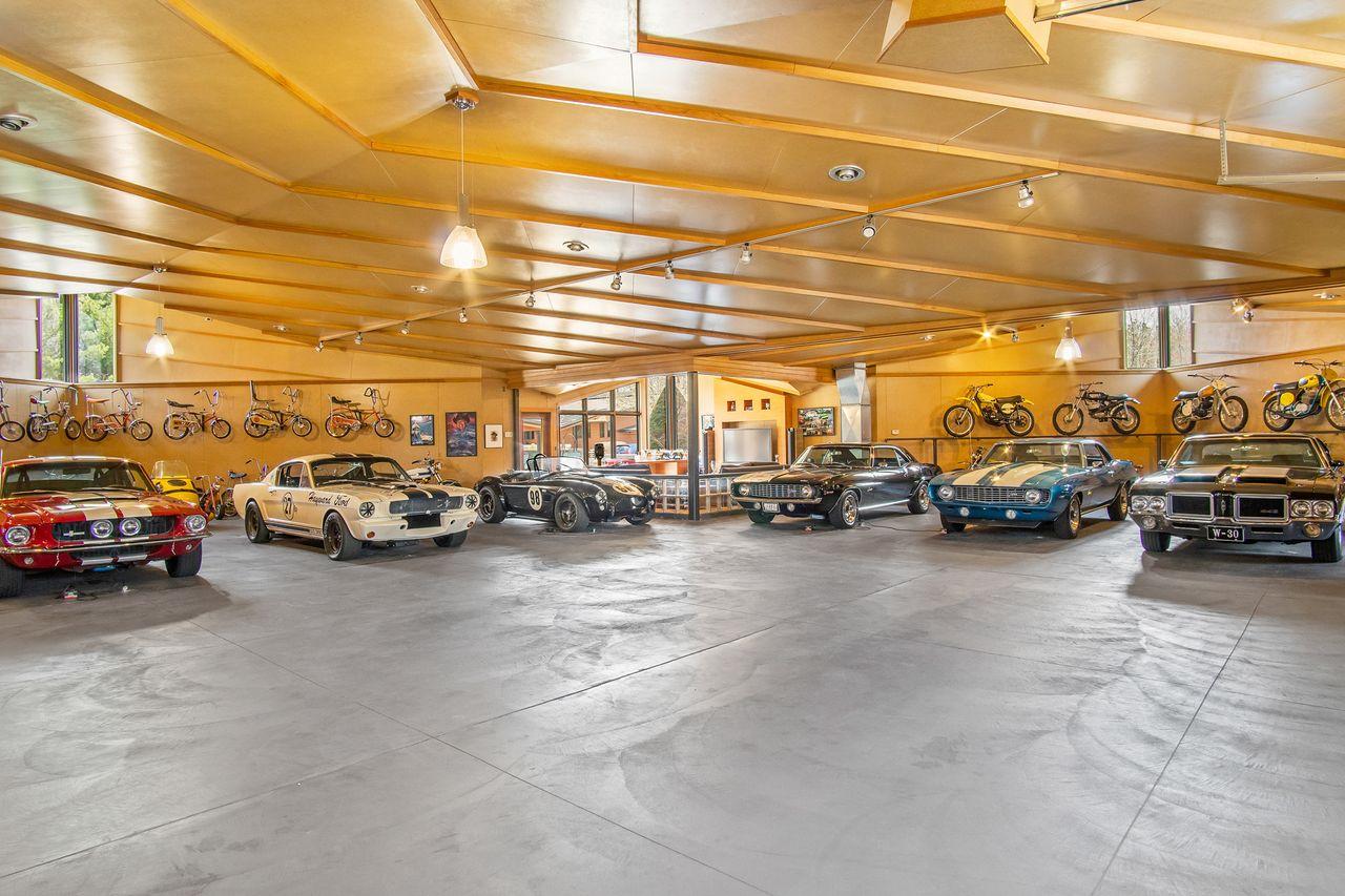 Tiene 1.000 m2 y capacidad para 30 coches