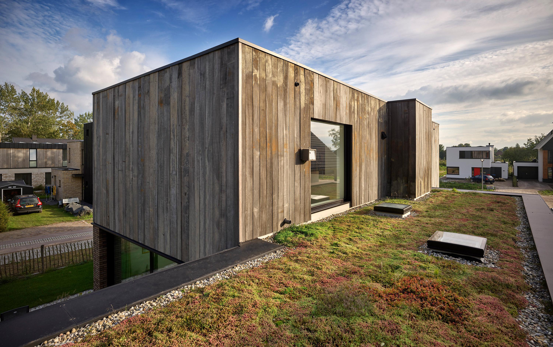 Construida en madera y ladrillo
