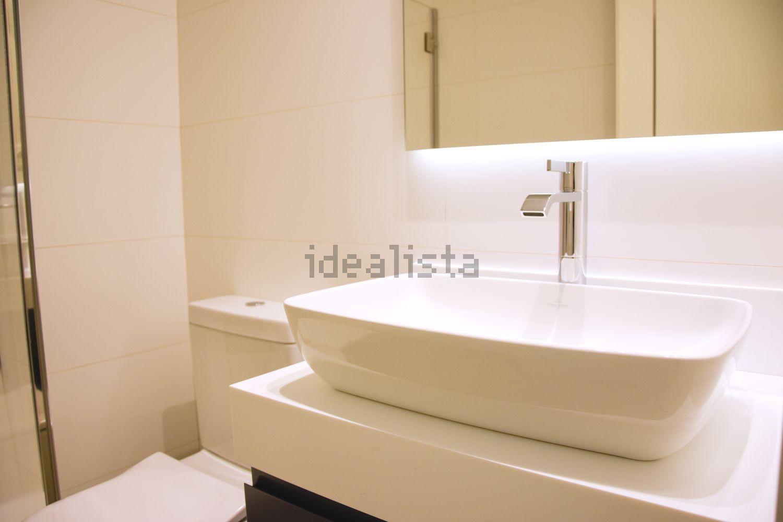 Dos baños por vivienda