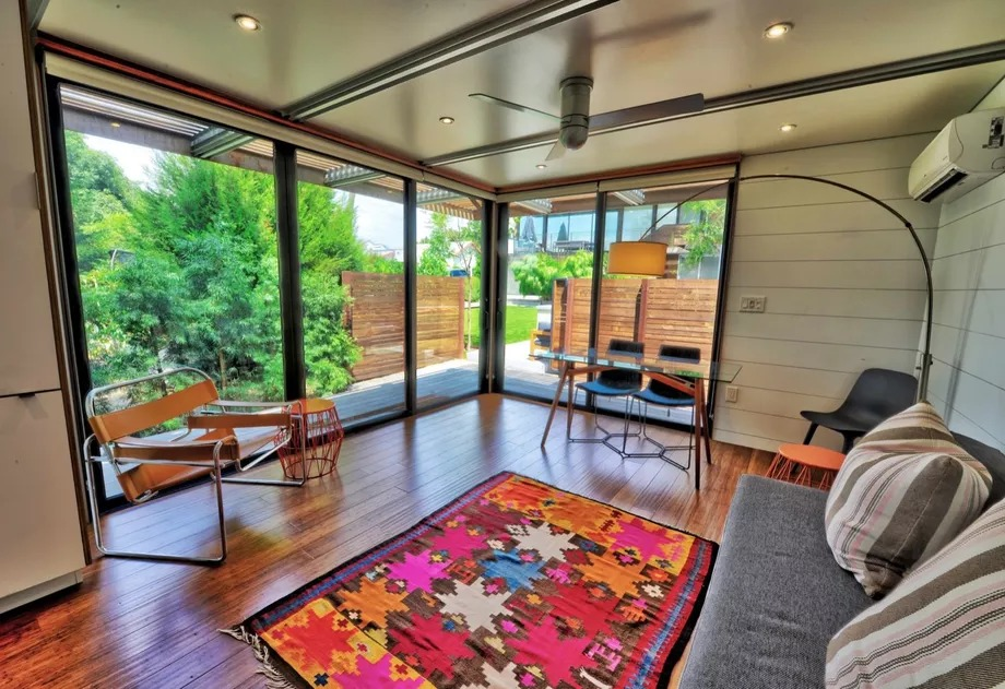 Un dormitorio y salón por 110.000 euros