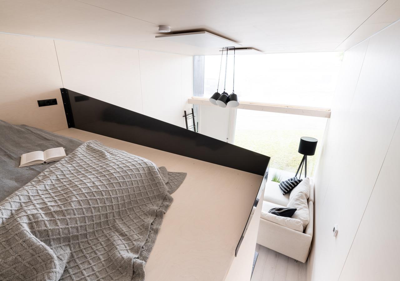 Se accede al dormitorio con una escalera
