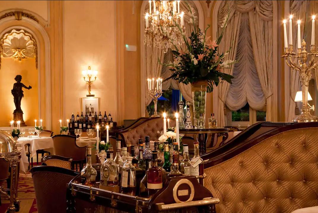 Es uno de los hoteles más lujosos de Madrid y España