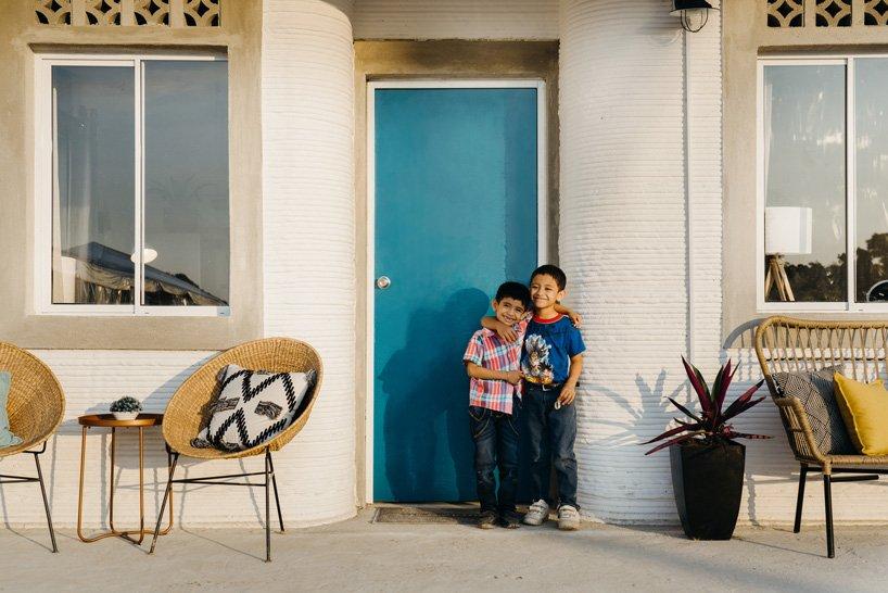 Entrada a la casa / Joshua Perez/New Story