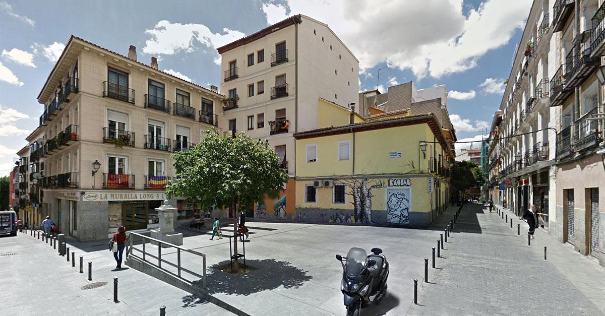 Restaurante senegalés que será vendido junto a la pensión -también transaccionada- que colinda con este activo.  / Google Maps.