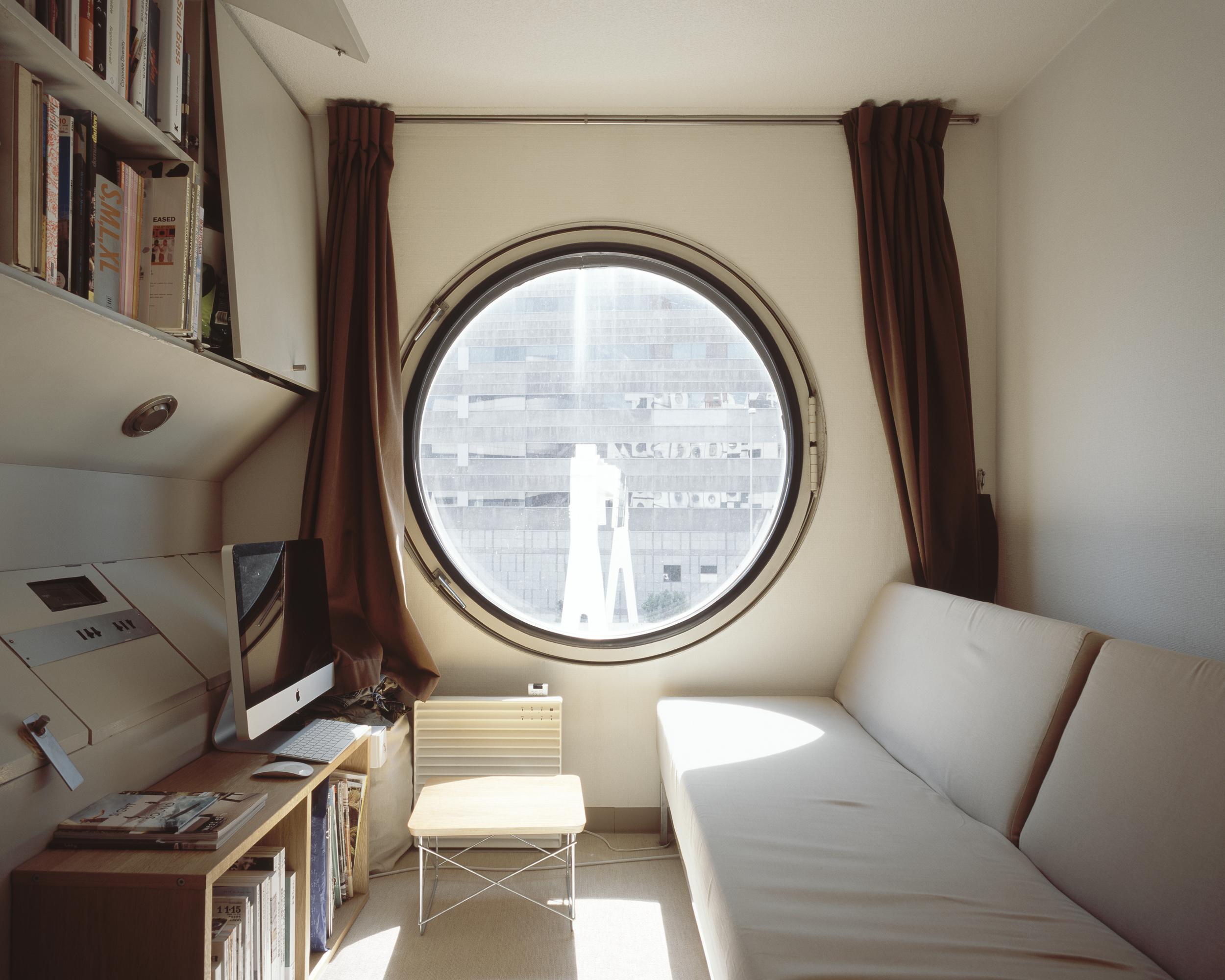Noritaka Minami, A504 I (Nakagin Capsule Tower, Tokyo, Japan), 2012