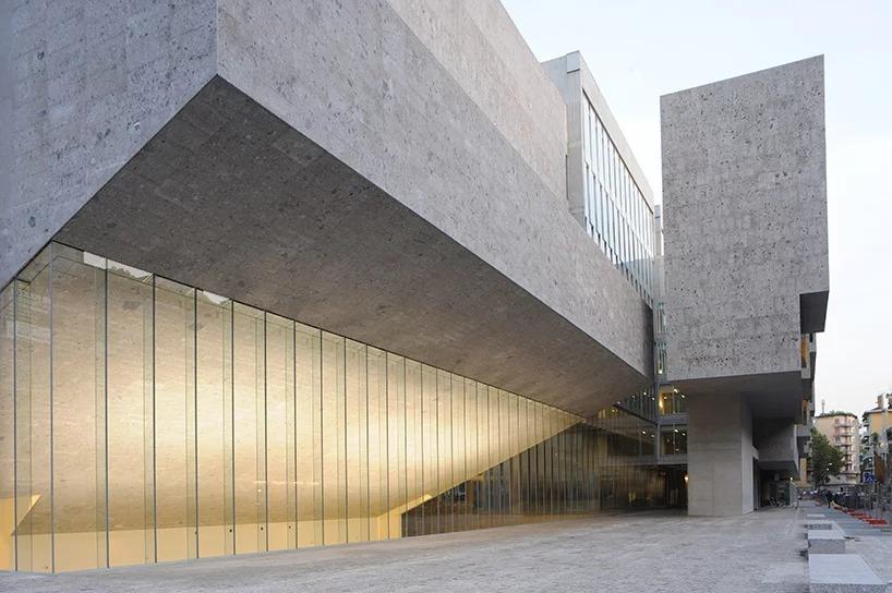 Universita Luigi Bocconi, Milan