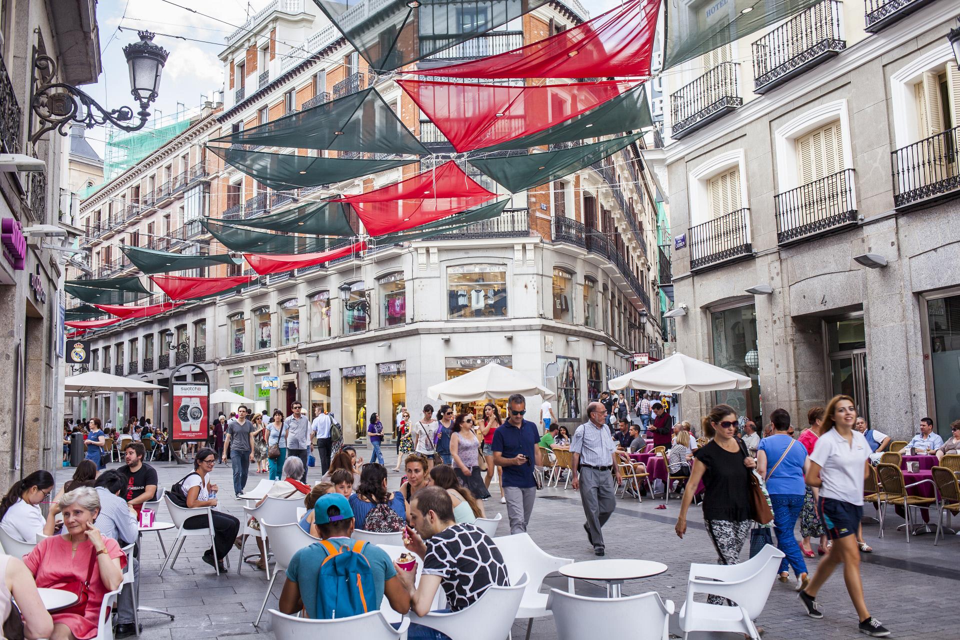 Calle Preciados, una de las avenidas más comerciales de Madrid.  / Gtres