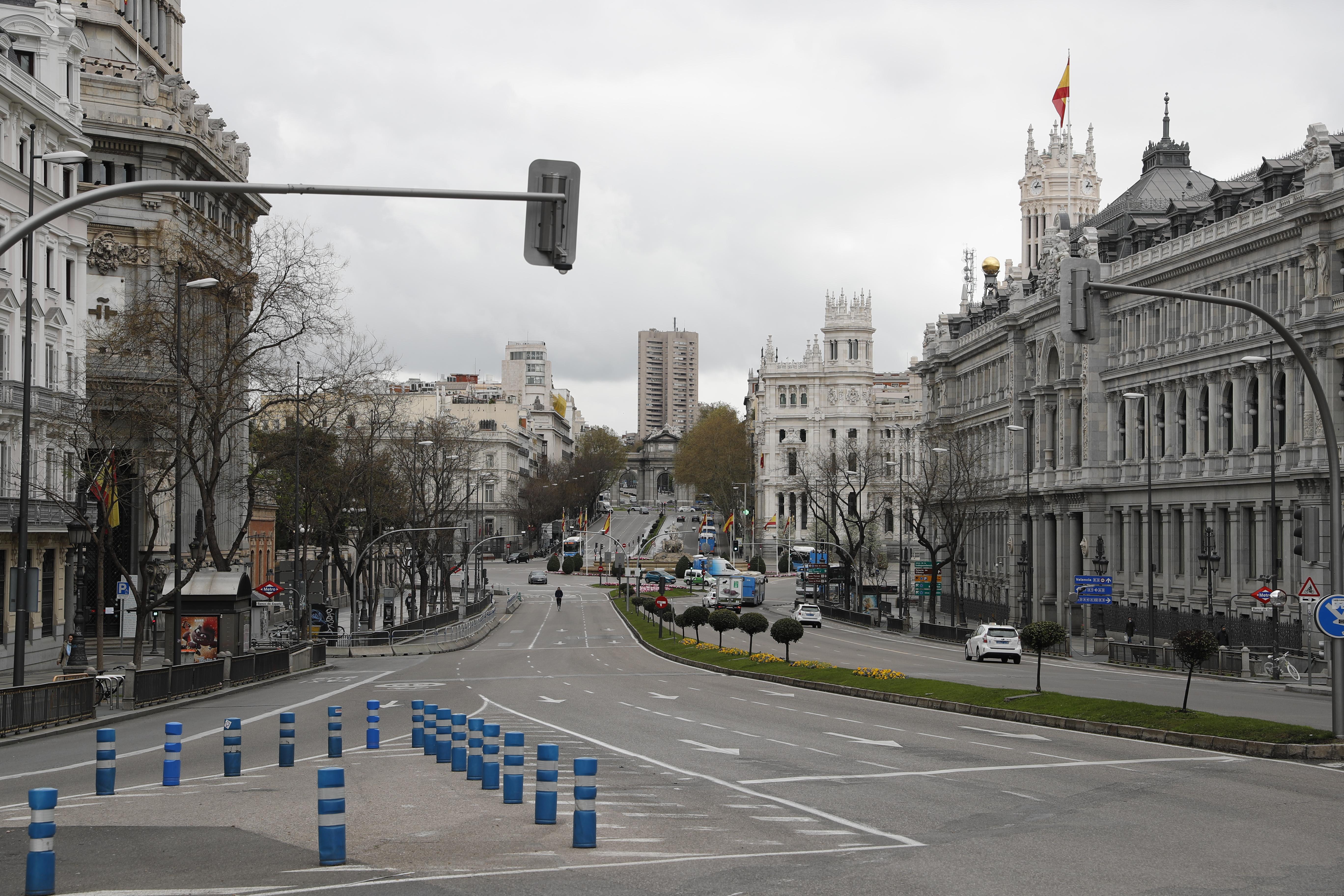 La Calle Alcalá y la Plaza de Cibeles, vacías / Gtres