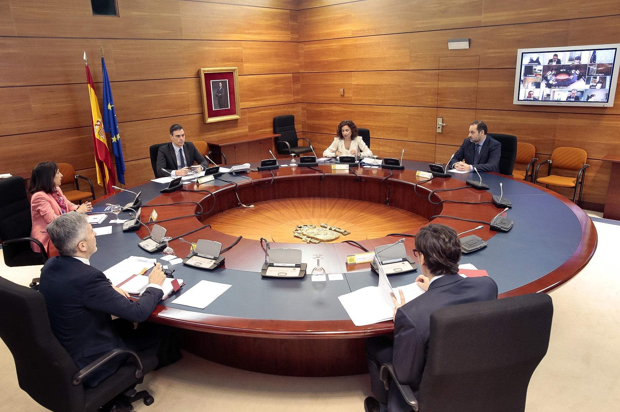 Consejo de ministros, la mayoría de ellos de forma telemática / Gtres