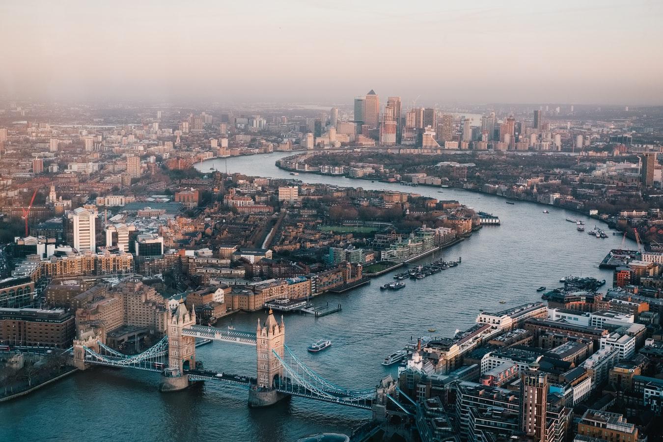 London/ Benjamin Davies