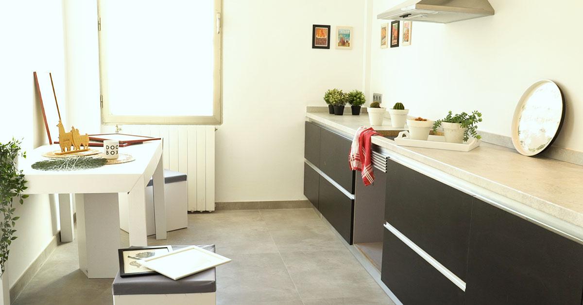 Mesa y atrezzo para la cocina