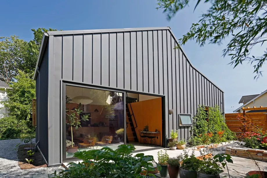 Vista exterior al jardín / Mark Woods
