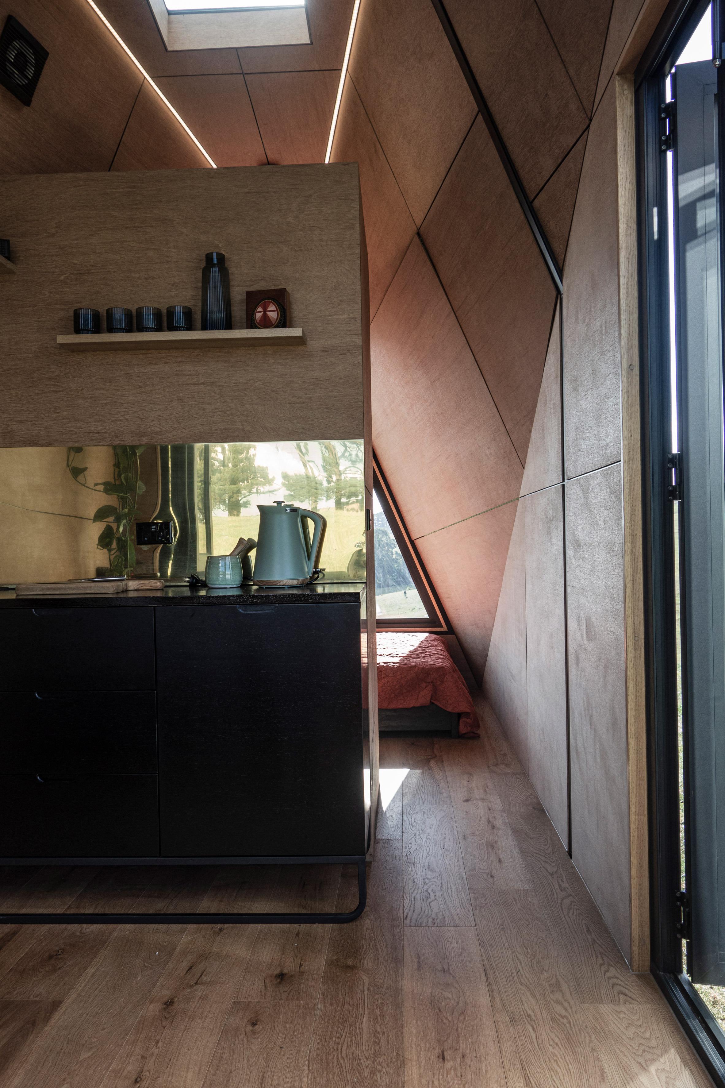 Entrada al dormitorio / Studio Edwards