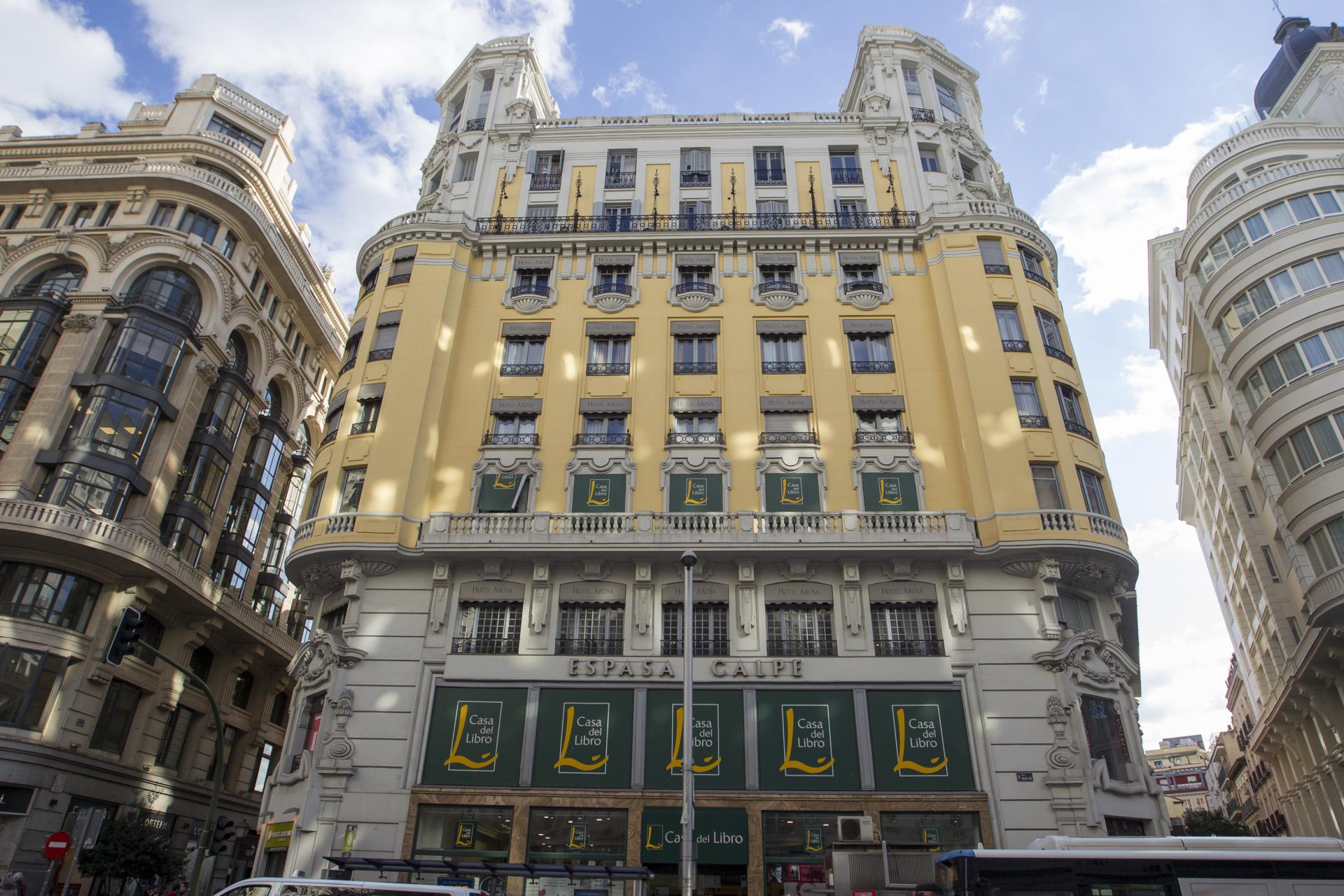 Imagen del edificio donde Cristiano Ronaldo pretende abrir su hotel en Madrid.  / Gtres