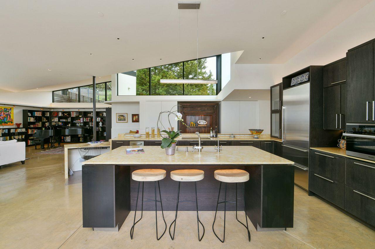 Cocina abierta / Open Homes Photography Inc.