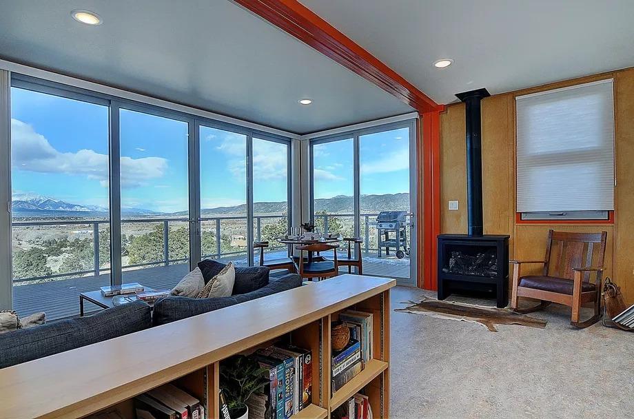 Interior revestido con madera