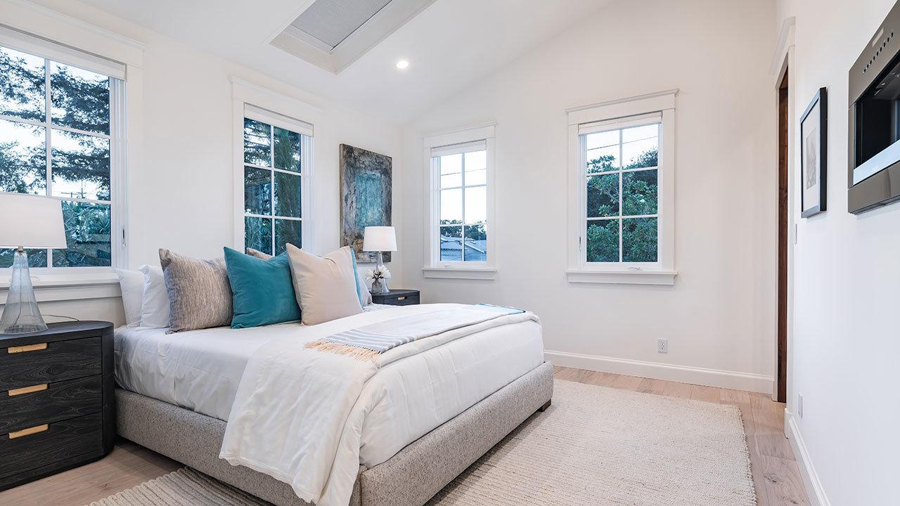 Dormitorio / Mindframe LLC