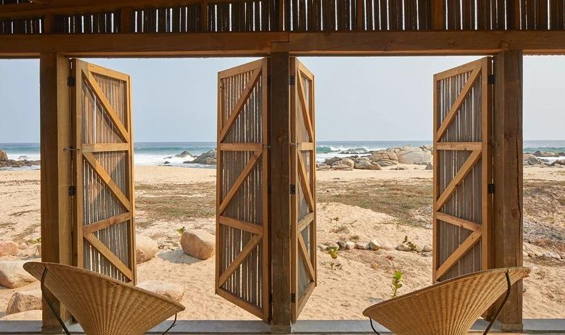 Vistas a la playa / Edmund Sumner/BAAQ