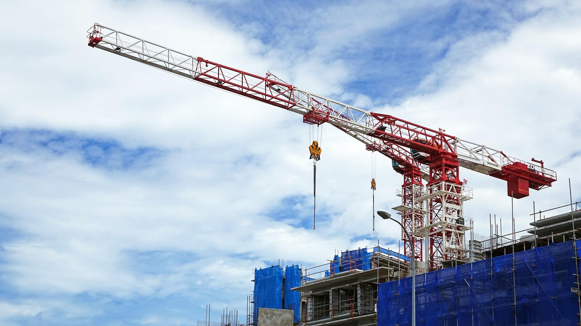 Imagen de una promoción de viviendas en construcción / Pixabay