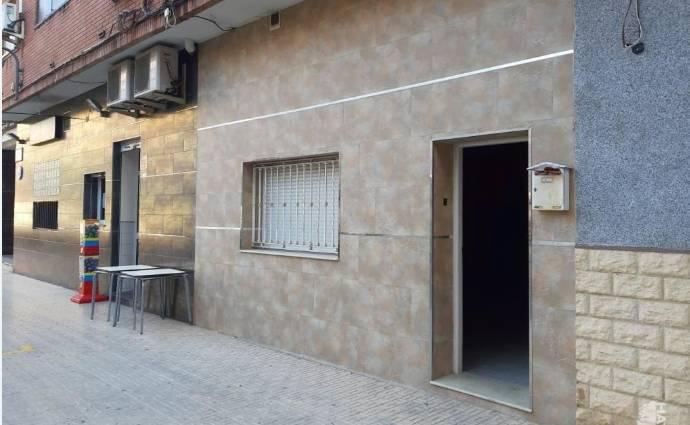 Imagen de uno de los locales con descuento / Haya Real Estate