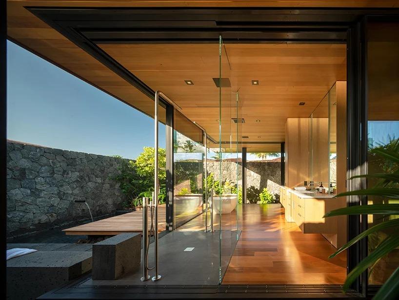 Baño con vistas / Nic Lehoux