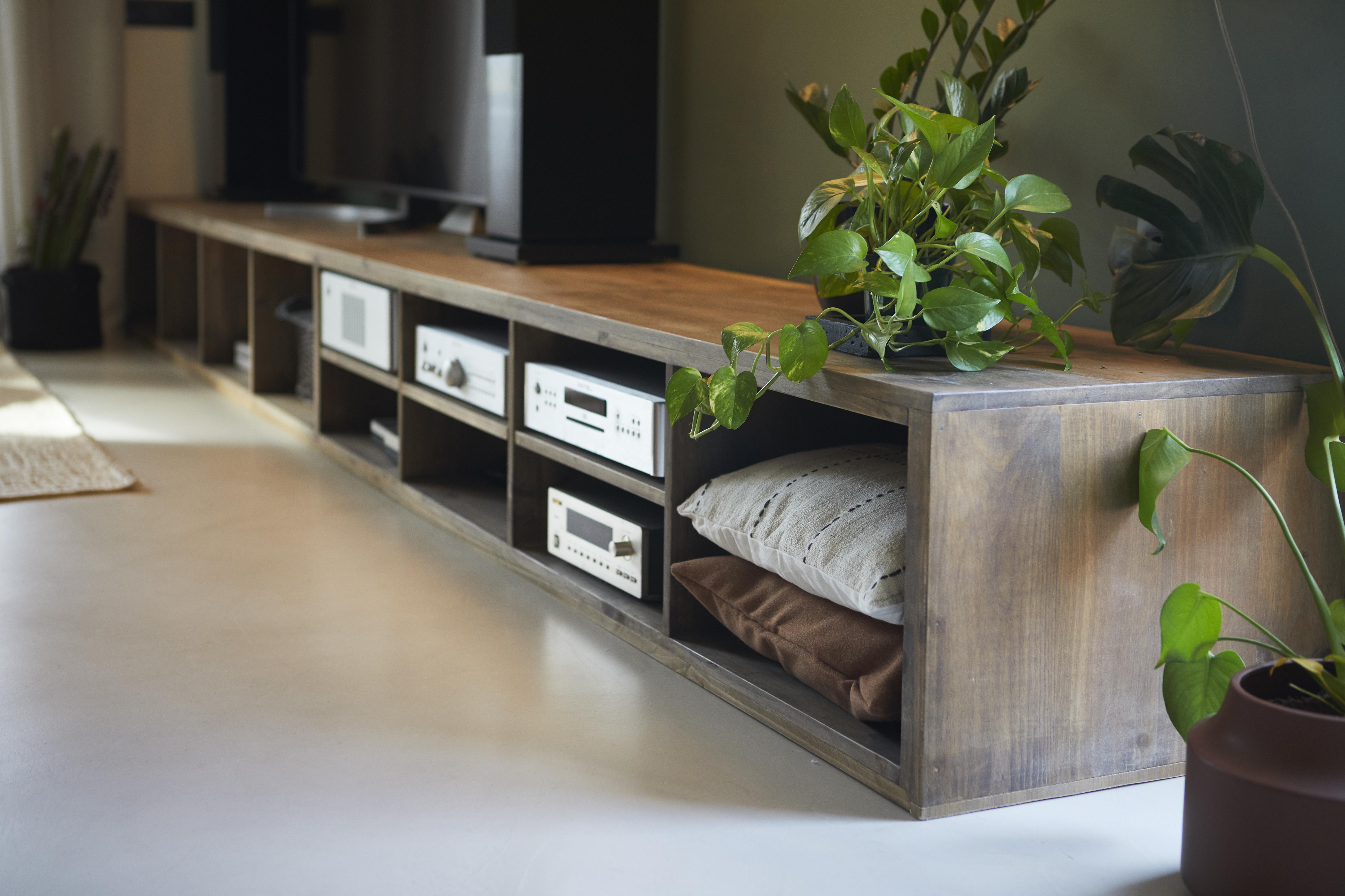Las plantas y la madera dan calidez