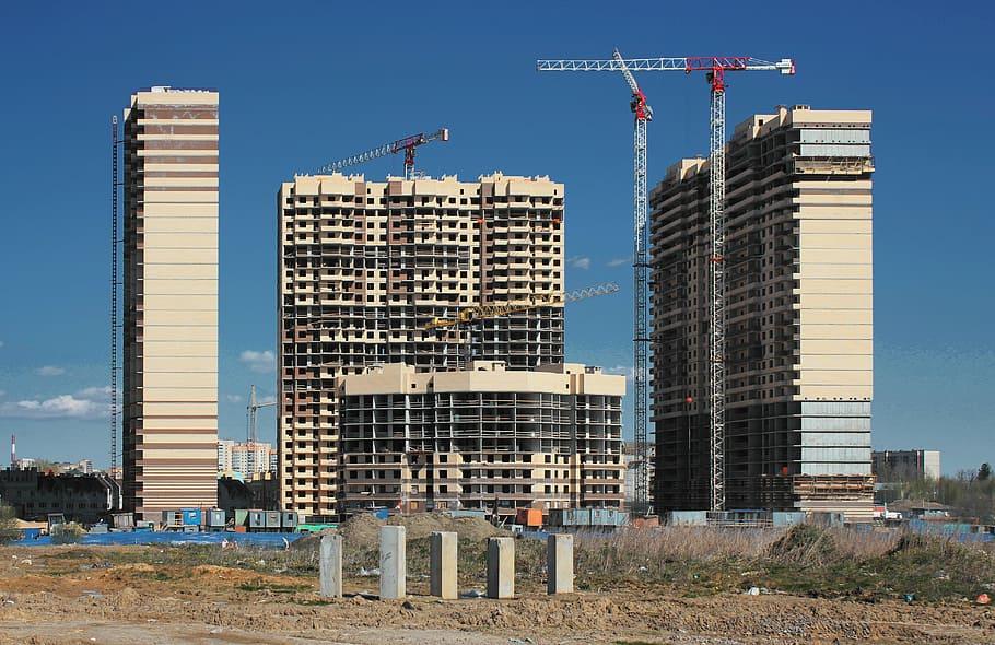 Imagen de una promoción de viviendas en construcción / pxfuel.com