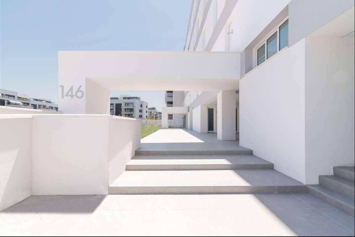Entrada al edificio / DMDV Arquitectos/Landevel ArroyoFresno