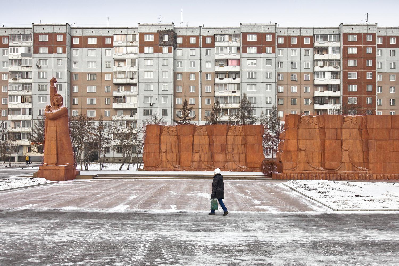 Complejo de viviendas y homenaje al proletariado en Krasnoyarsk / Alexander Veryovkin/Zupagrafika