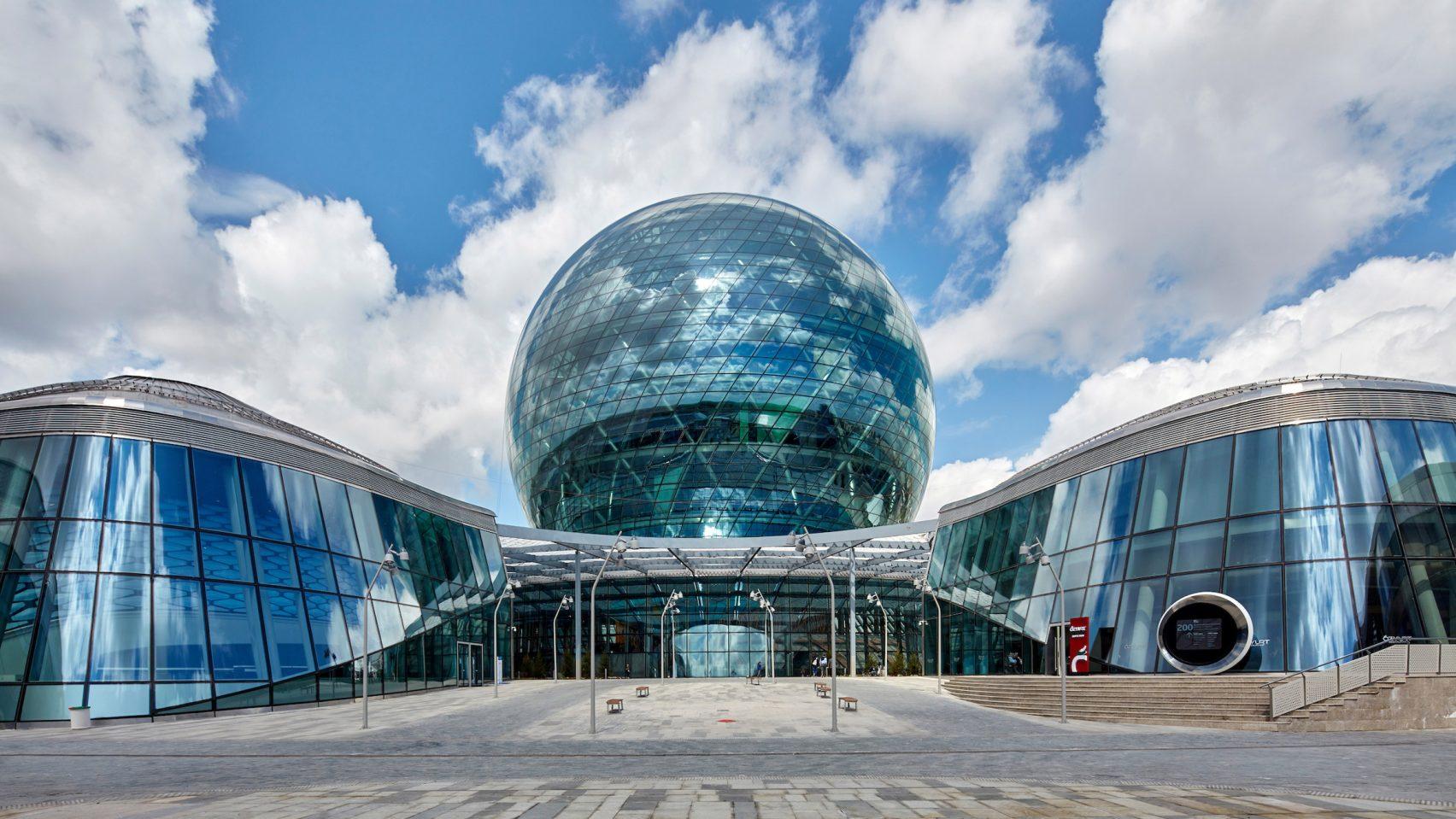 Pabellón de Kazajistán, EXPO 2017, Astana, Kazajistán, de Adrian Smith + Gordon Gill