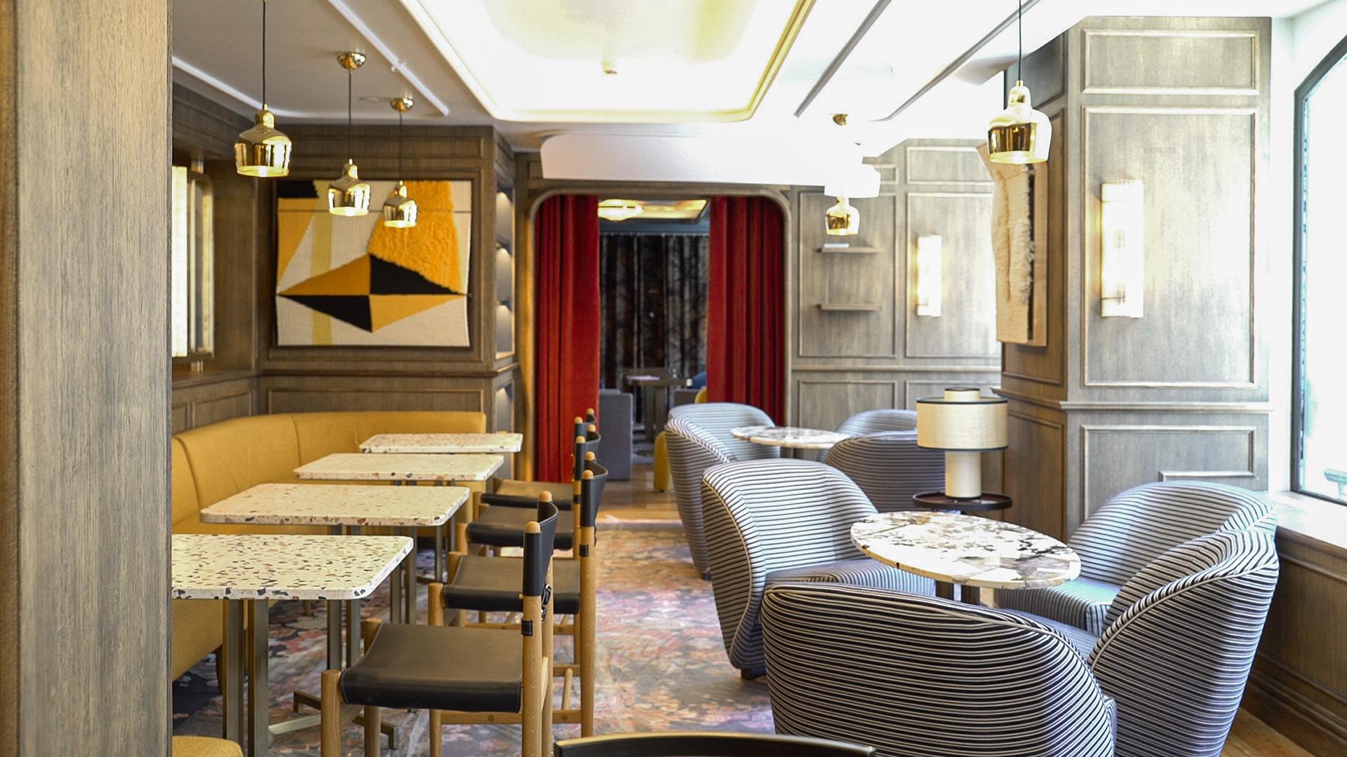 El hotel cuenta con tres restaurantes propios