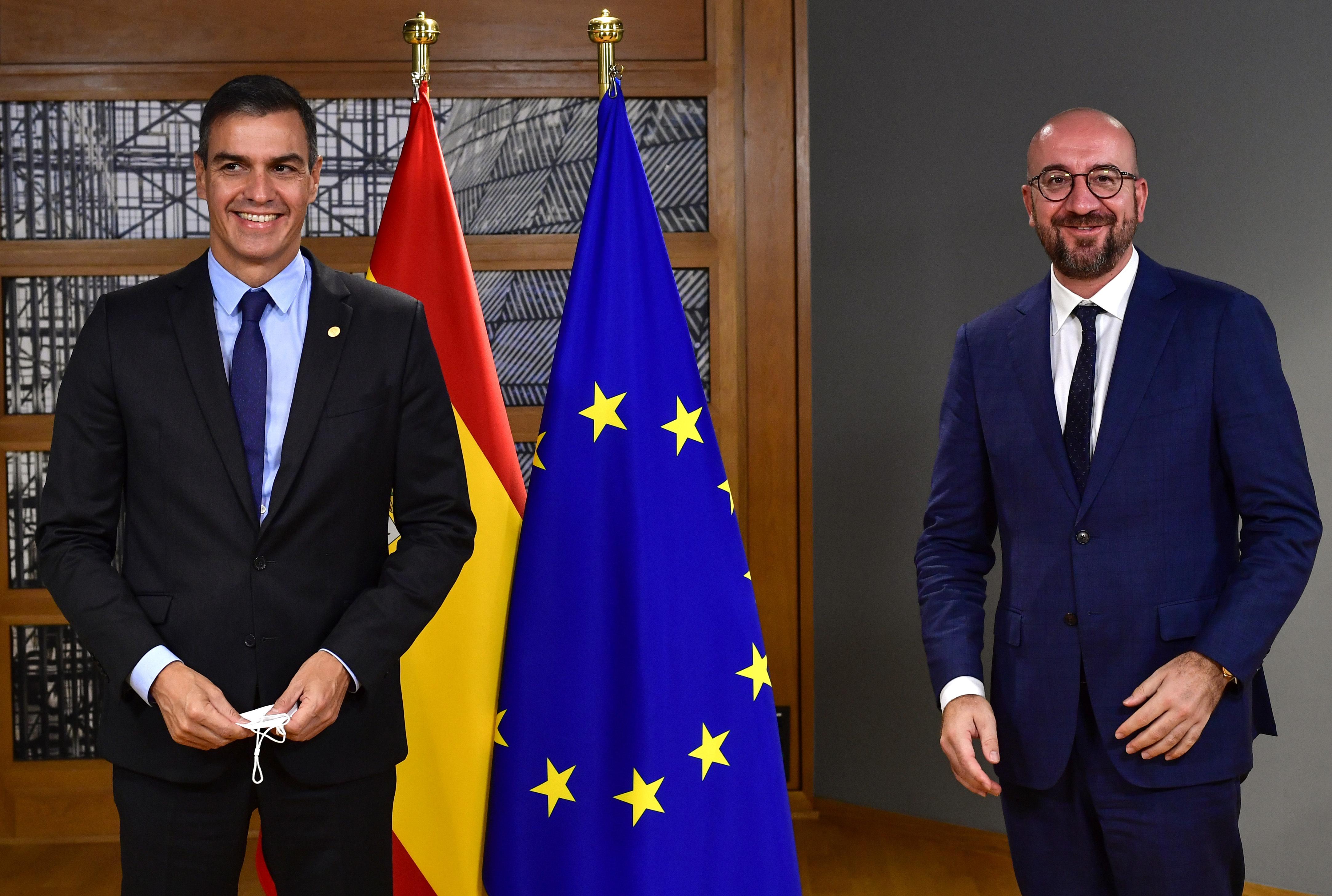 El presidente del Gobierno, Pedro Sánchez, y el presidente del Consejo Europeo, Chales Michel  / Gtres