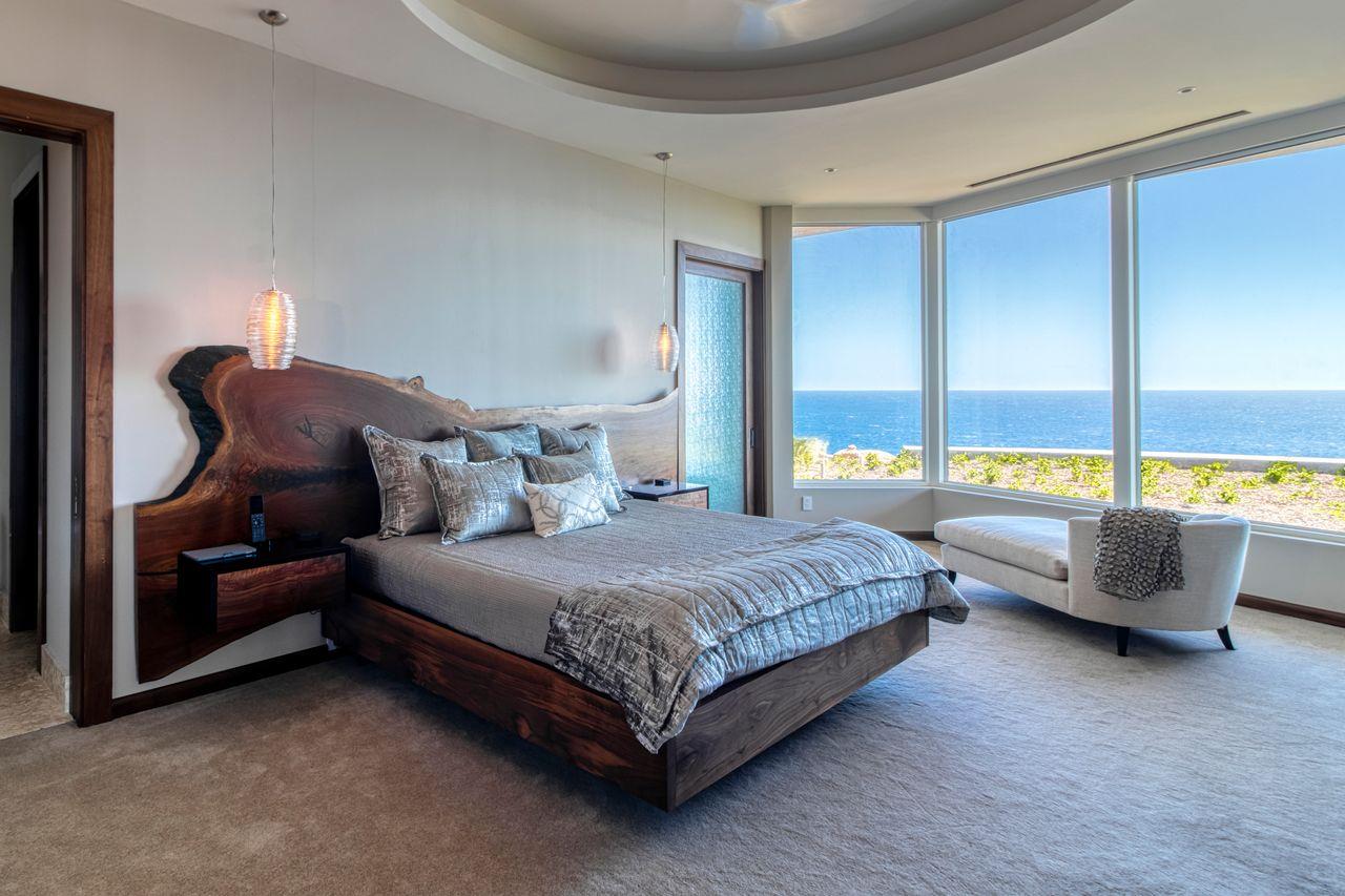 Dormitorio / OIl Nut Bay