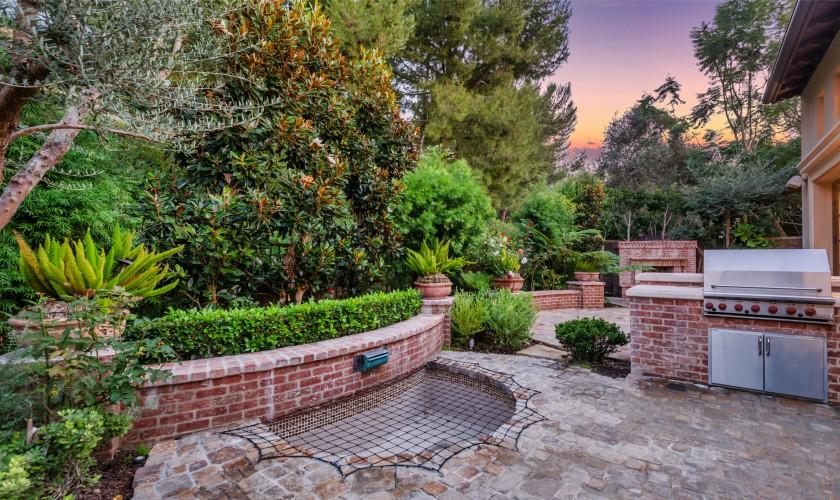 Patio y jardines / RE/MAX One