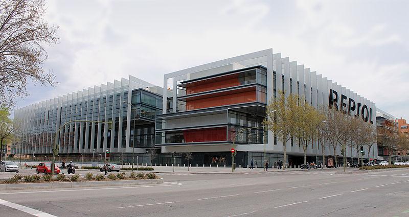 Sede de Repsol / Wikimedia commons