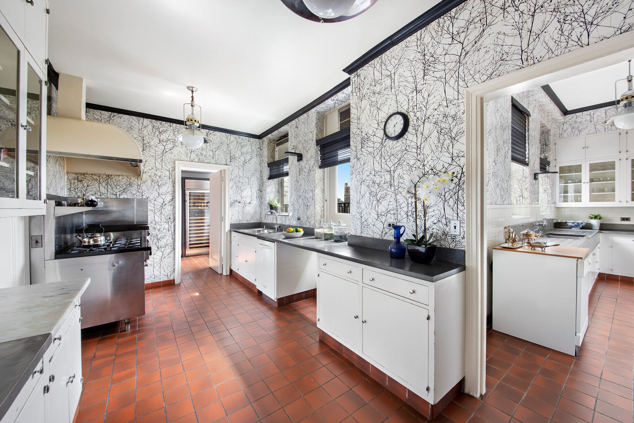 Cocina / Warburg Realty